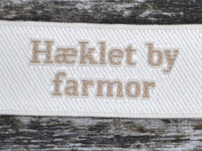red_alle_hæklet_by_farmor