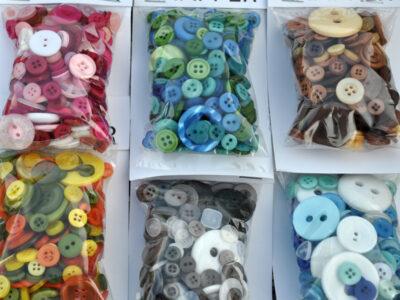 Flade plast knapper