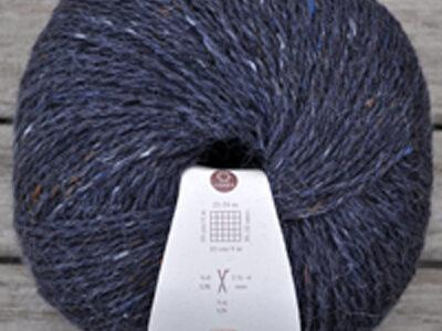 Strikkegarn fra rowan Felted Tweed Treacle/145