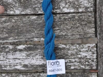 flora wool broderigarn 8947