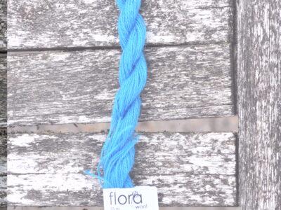 flora wool broderigarn 8995