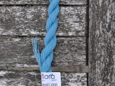 flora wool broderigarn 8997