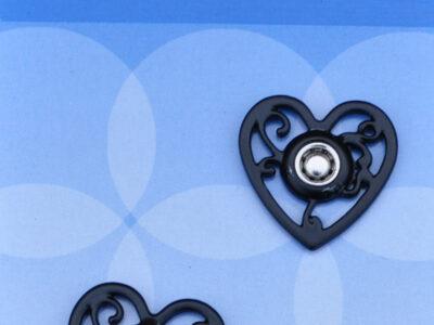 Tryklåse og trykknapper sort hjerte