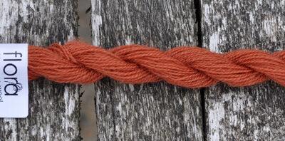 flora wool broderigarn 8104