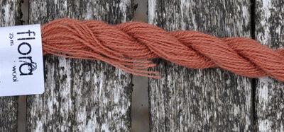 flora wool broderigarn 8105