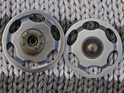 Tryklåse og trykknapper antik 30 mm
