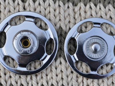 Tryklåse og trykknapper sølv 30 mm2